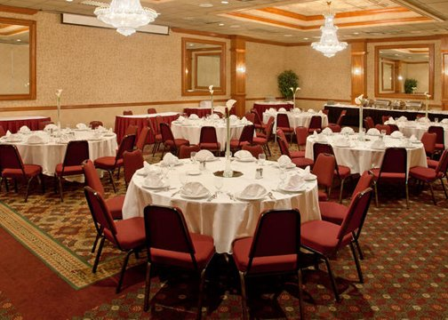 Hotel In Southgate Mi Holiday Inn Southgate Banquet And